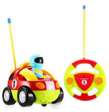 Mesefigurás elemes távirányítós autó kicsiknek - űrhajós cartoon car