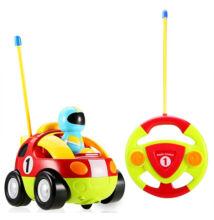 Mesefigurás elemes távirányítós autó kicsiknek - versenyautós