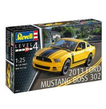 Revell 1:25 2013 Ford Mustang Boss 302 autó makett